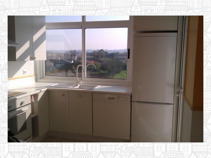 Foto 4 de Piso en Bastiagueiro-Lians: Piso Para Curso Escolar De 2 Dormitorios / Liáns, Oleiros