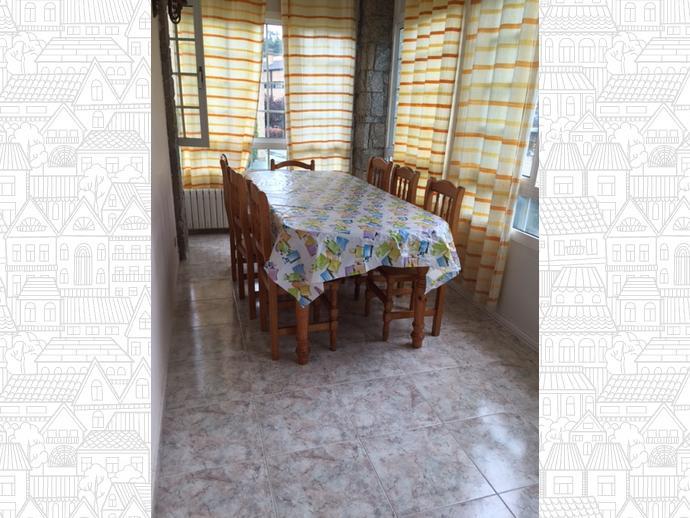 Foto 2 de Chalet en Bastiagueiro-Lians: Casa Para Curso Escolar Con Finca / Liáns, Oleiros