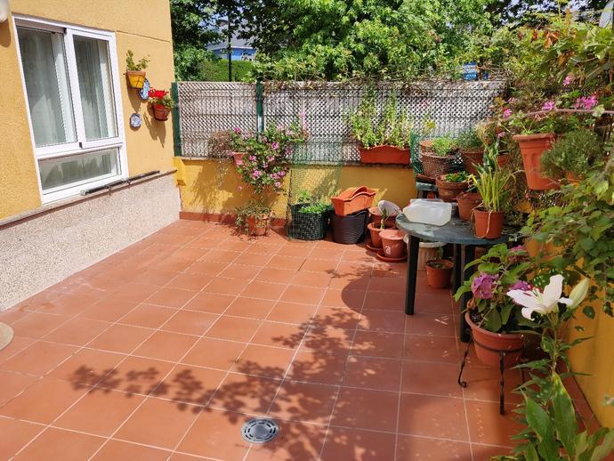 Foto 1 de Piso en Bastiagueiro-Oleiros: Piso Exterior Con Terraza / Liáns, Oleiros