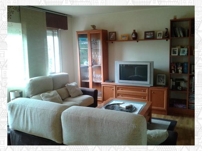 Foto 1 de Piso en O Graxal 4 Dormitorios / Liáns, Oleiros