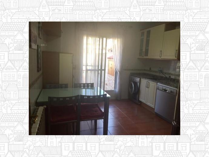 Foto 5 de Casa adosada en Alovera-Chiloeches, Zona De - Alovera / Alovera