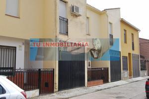 Casa adosada en Venta en Jose de Calasanz / Calera y Chozas