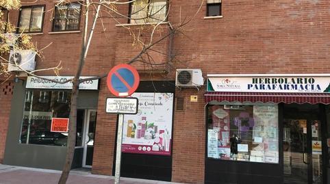 Foto 4 de Local de alquiler en Juncal, Madrid