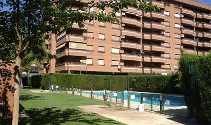 Pisos en venta con piscina en Jardines de Lisboa, Zaragoza