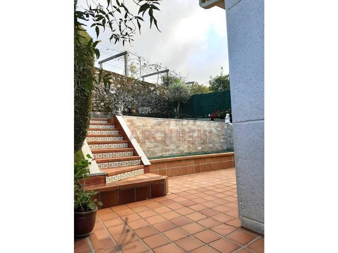 Foto 1 de Casa o chalet en venta en Las Mimosas O Milladoiro, A Coruña