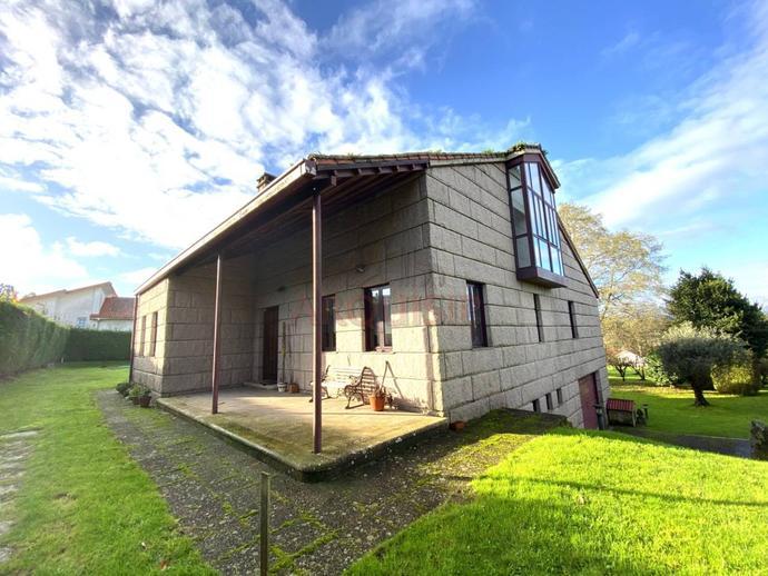 Foto 1 de Casa o chalet en venta en Biduido de Arriba Bertamirans, A Coruña
