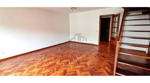 Foto 3 de Dúplex en venta en O Milladoiro, A Coruña