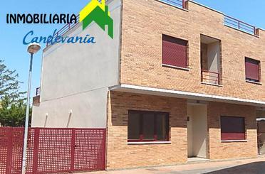 Einfamilien-Reihenhaus miete in San Mateo de Gállego