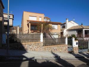 Chalet en Venta en Bargas, Zona de - Bargas / Bargas