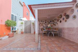 Casa adosada en Venta en Tristana / Telde