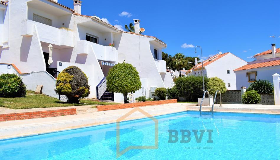 Foto 1 de Casa adosada en venta en Ramal de Capitulaciones Montemar, Málaga
