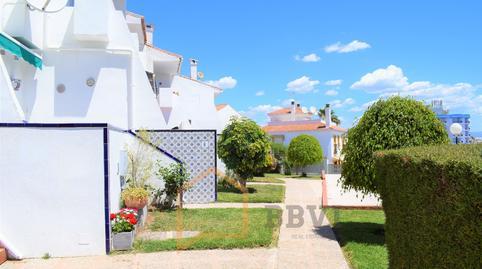 Foto 2 de Casa adosada en venta en Ramal de Capitulaciones Montemar, Málaga