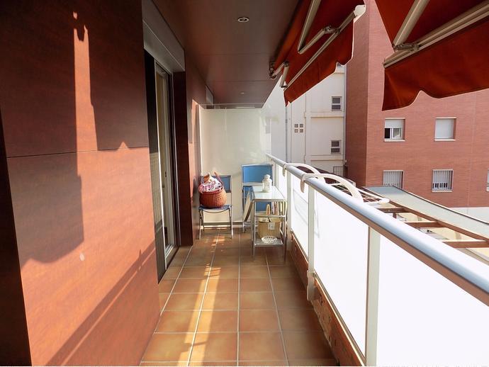 Piso en castelldefels en centre muntanyeta en for Compartir piso castelldefels