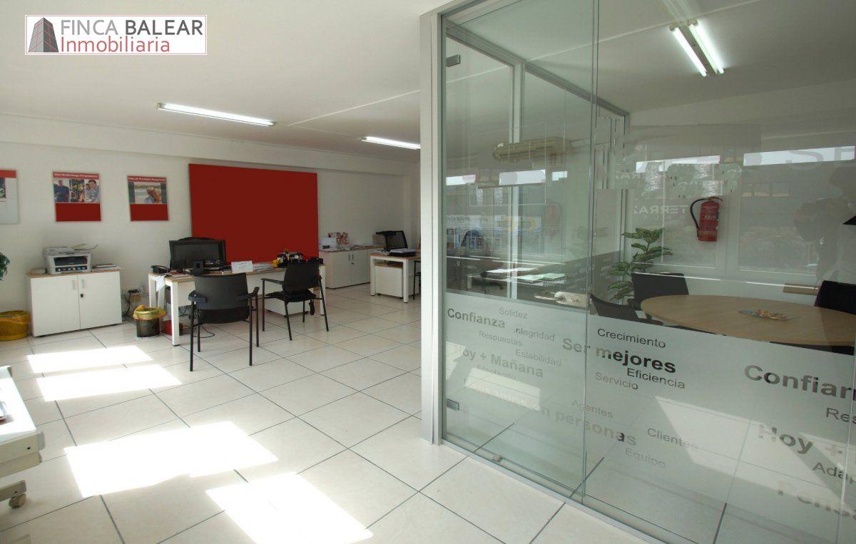 Oficina  Calvia ,calvia (pueblo). Oficina en primera planta de 50m2, recién reformada, un baño, y