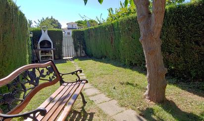 Casa adosada de alquiler con opción a compra en Roda de Barà