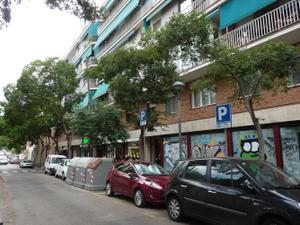 Piso en Venta en Feliu I Codina / Horta - Guinardó