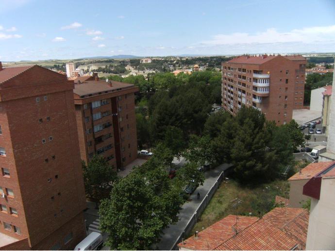 Piso en teruel capital en ensanche en avenida avda sagunto 135534575 fotocasa - Pisos en alquiler en teruel capital ...