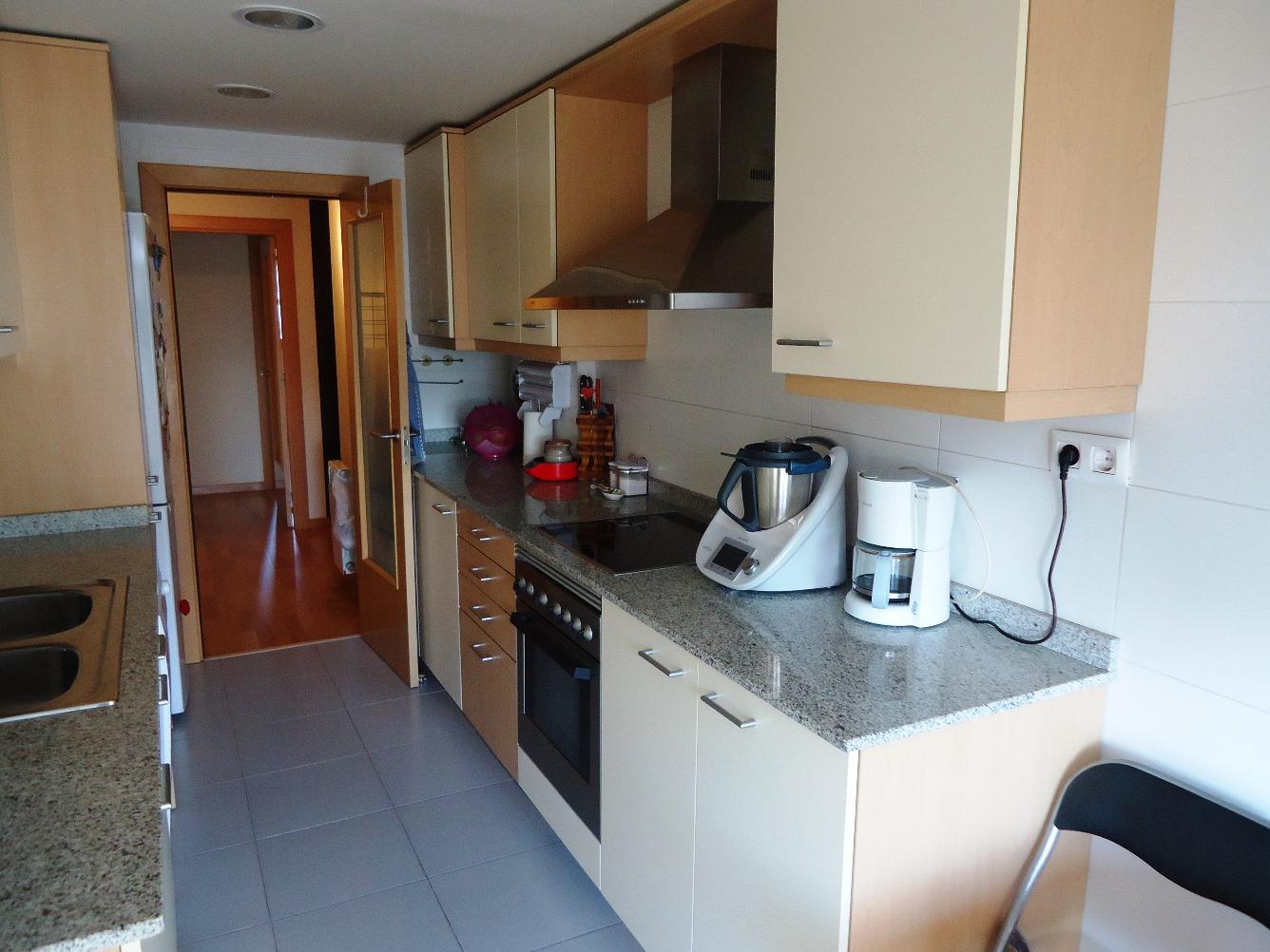 Pis  Barberà del vallès - barri antic. House solutions vende magnifico piso con zona comunitaria y gara