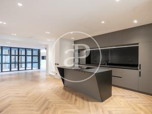 Dúplex en venta con terraza en Barcelona Capital
