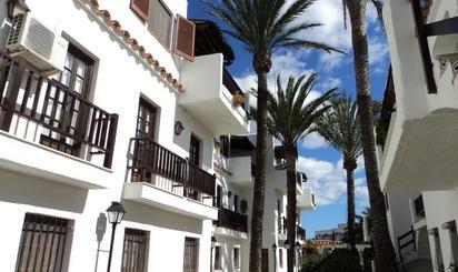 Apartamentos de alquiler vacacional con terraza en España