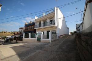 Casa adosada en Venta en Leon / Villanueva del Río y Minas