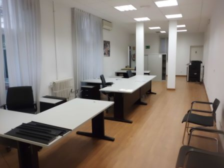 Office for sale in Cortes - Huertas