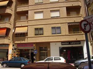 Piso en Alquiler en San Agustin / Requena