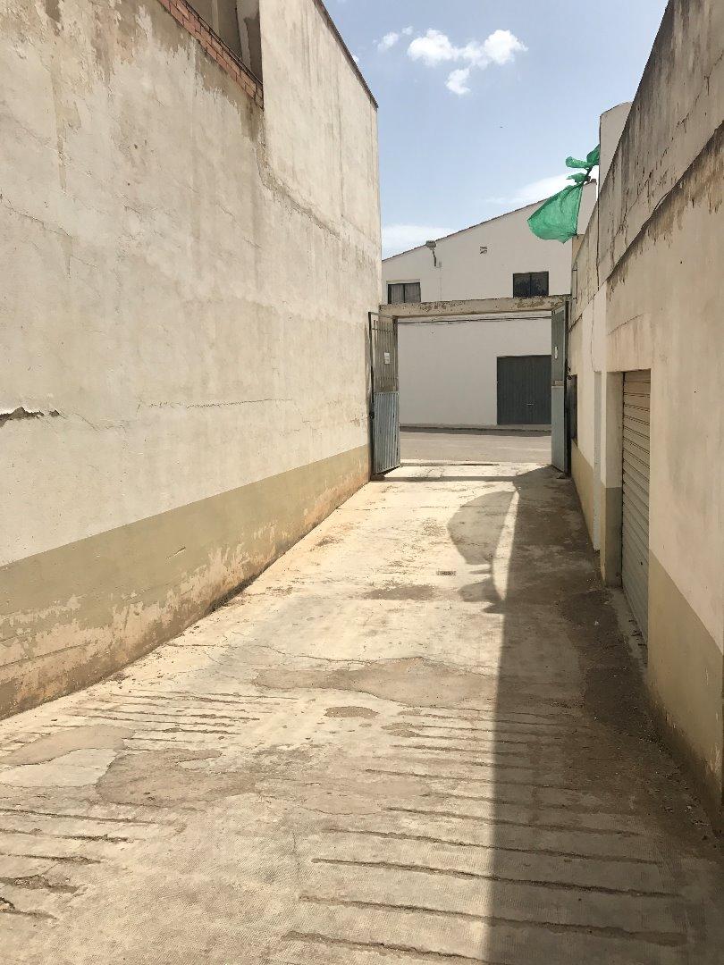 Aparcament cotxe  Calle rozaleme, 38. Cabina  de garaje proximo al cuarte de la guardia civil.