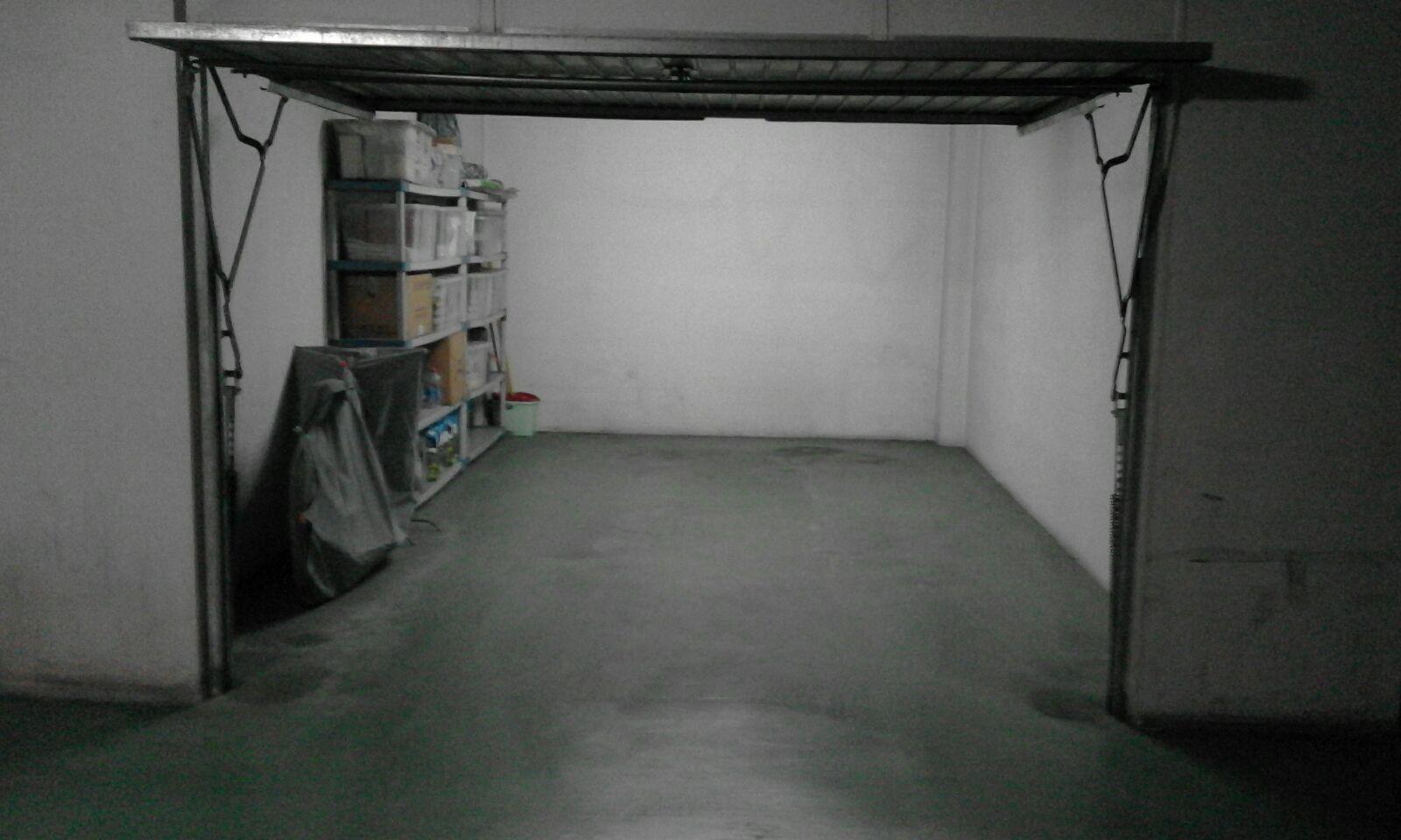 Aparcament cotxe  Fuente flores. Cabina de garaje cerrada muy buena.