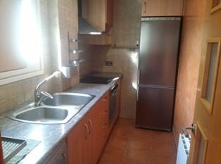 Lloguer Pis  Centelles, zona de - sant sadurní d'osormort. Apartament de dues habitacions, cuina equipada, menjador i 1 ban
