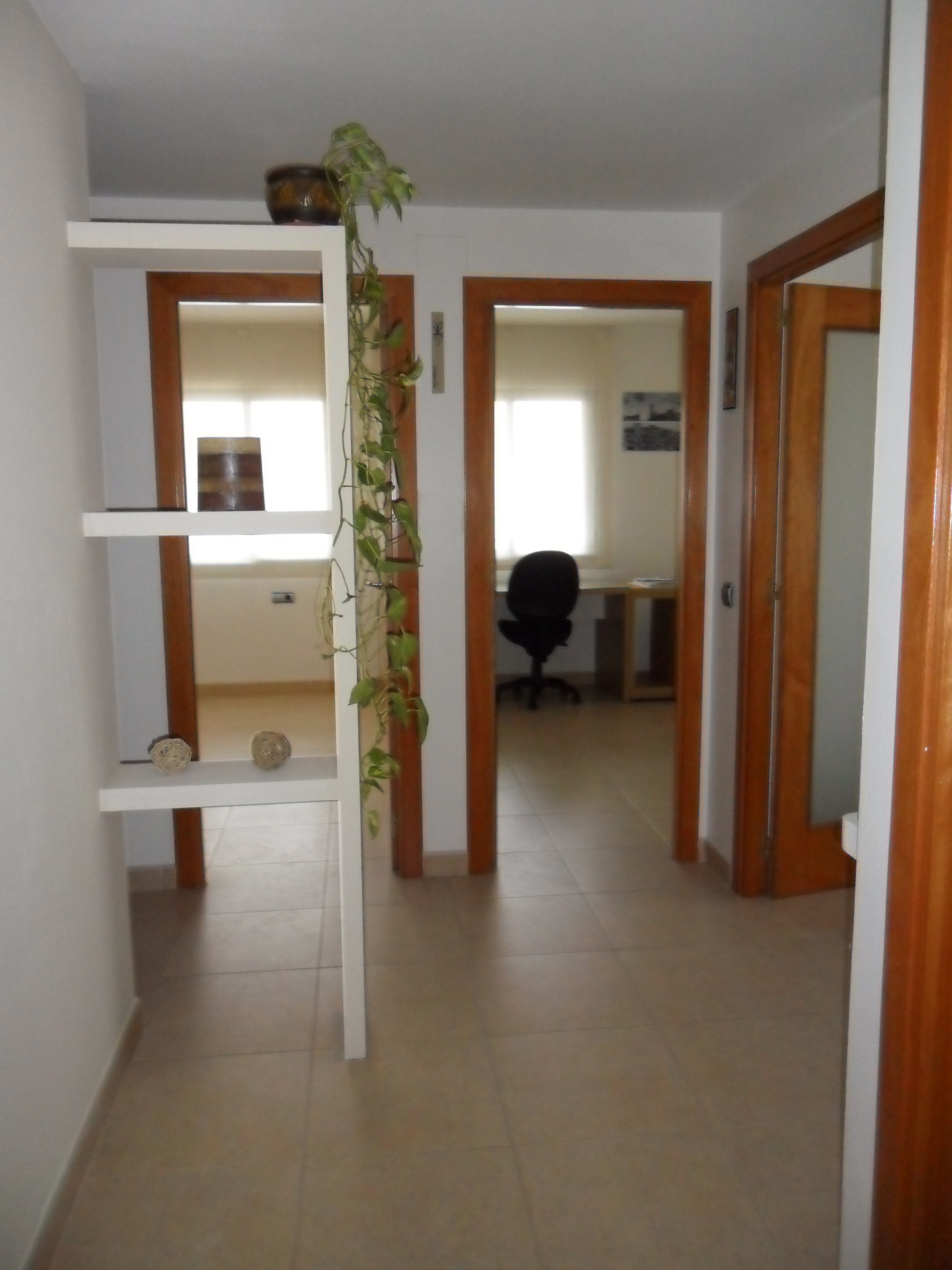 Alquiler Piso  Rotonda lluís pericot, 43. Pis de tres habitacions, molt acollidor, d'estupendes qualitats