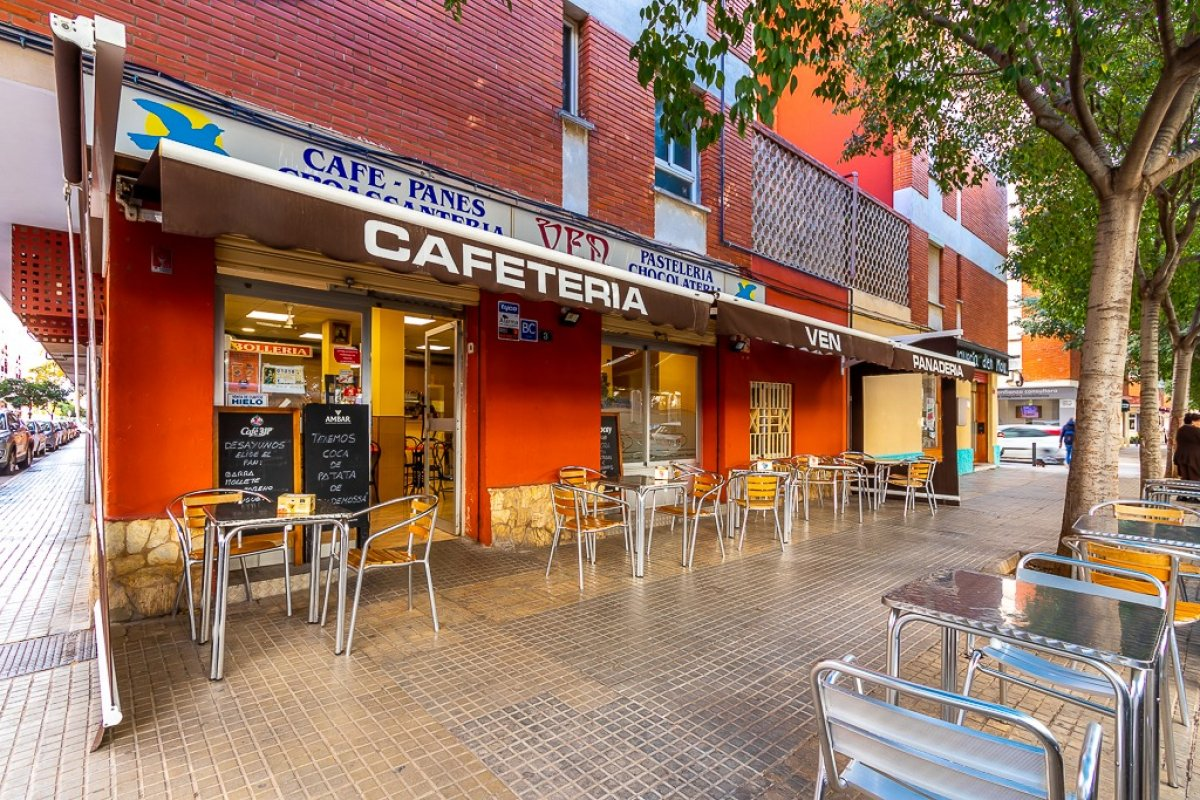 Traspaso Local Comercial  Calle biniali. Traspaso local bar/panadería rafal nou