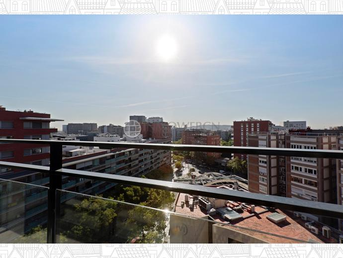 Foto 4 de Piso en Calle Ricardo Villa / Les Tres Torres,  Barcelona Capital
