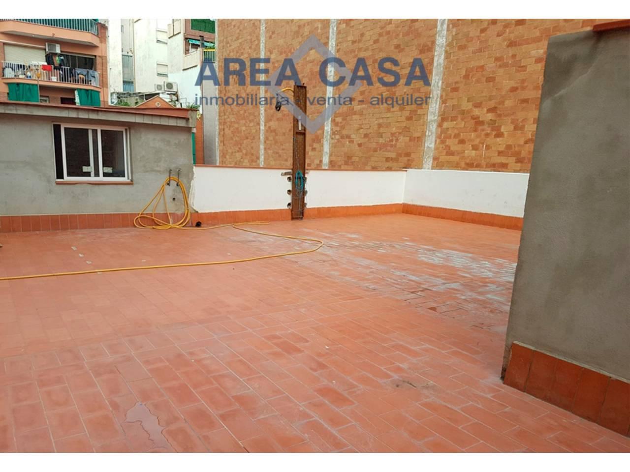 Affitto Casa  Centre-sanfeliu-sant josep. Ref 90203  superficie total 150 m²,  casa superficie útil 70