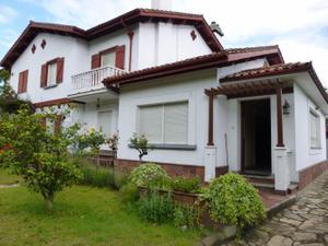 Casa adosada en Venta en Avilés / Avilés