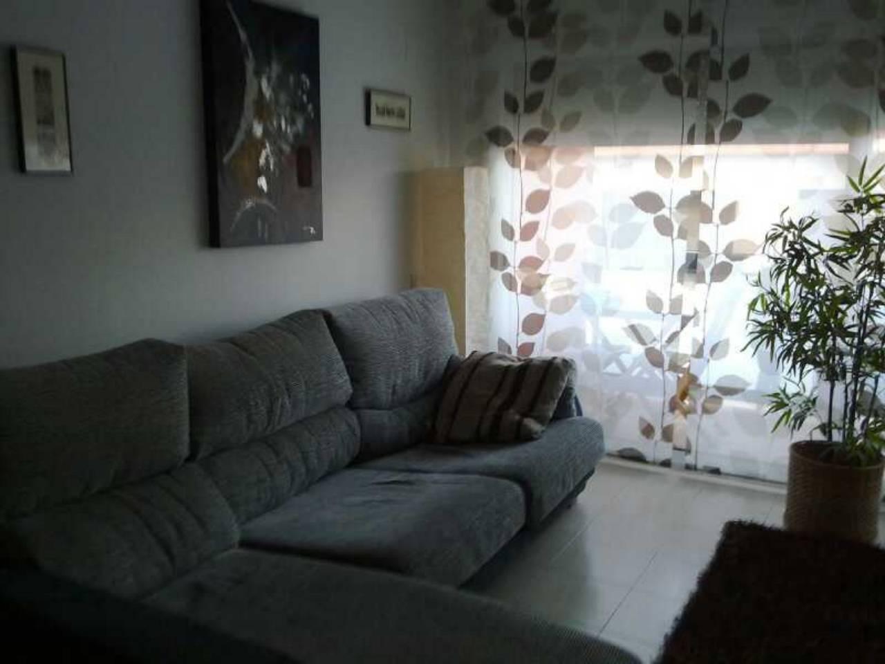 Pis  Zona instituto. 107 m²,  3 habitaciones (3 dobles) ,estudio,   1 baño.