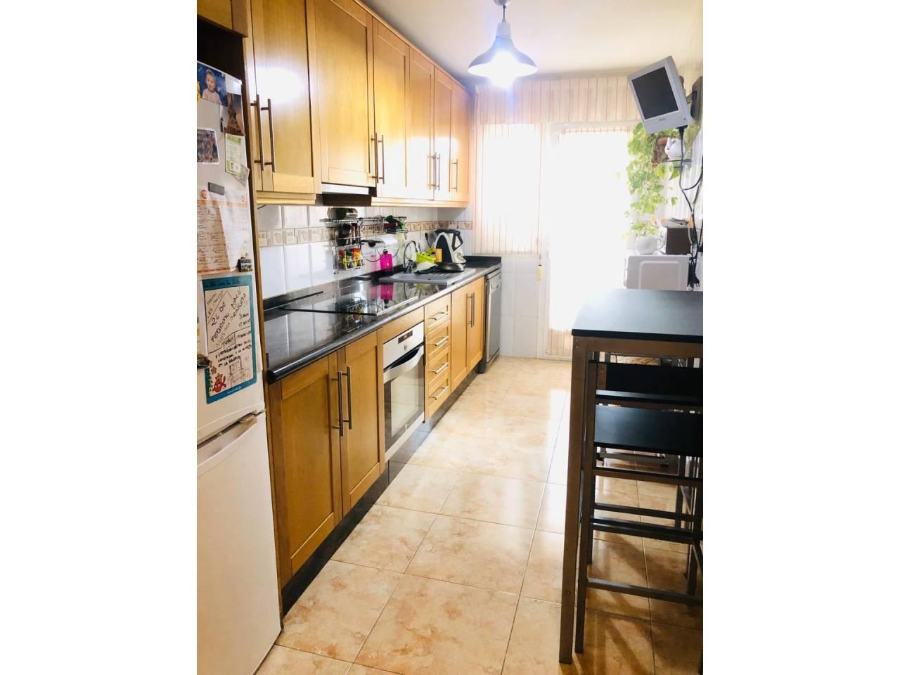 Piso  Calle general bañuls. Altura piso 2º, piso superficie total 100 m², superficie útil 95