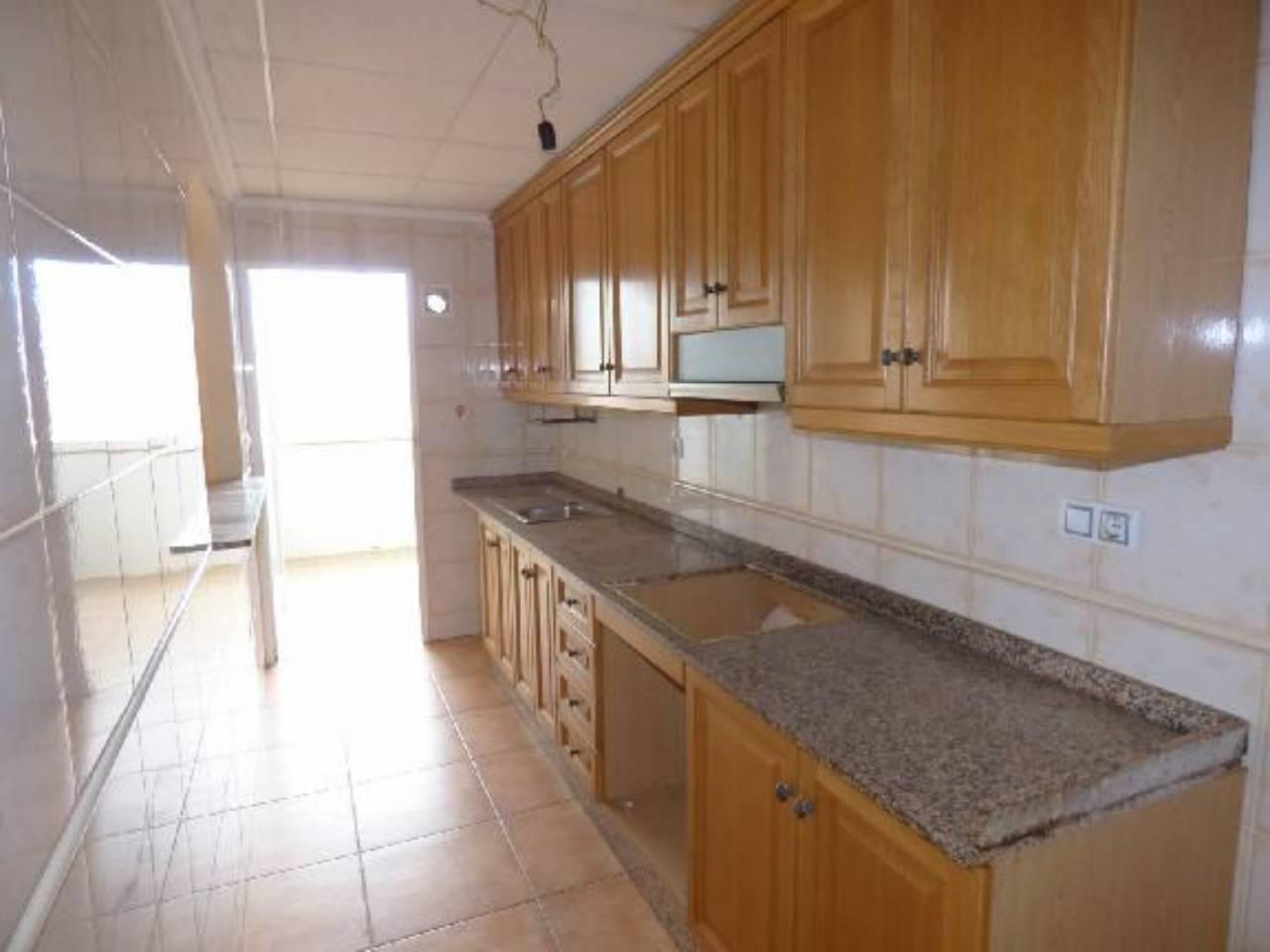 Piso  Calle soledad. Superf. 100 m²,  2 habitaciones (2 dobles),  2 baños, cocina (an