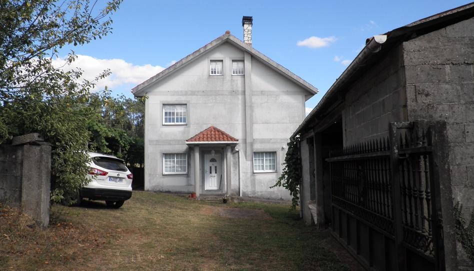 Foto 1 de Casa o chalet en venta en Calvos Touro, A Coruña