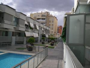 Casa adosada en Venta en Jose Luis Navarro Campello / Nou Altabix