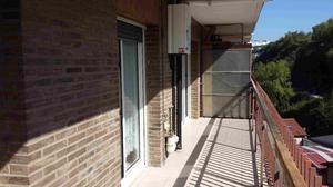 Piso en Alquiler en Añorga. Piso 3 Dormitorios con Buena Terraza-balcón Junto al Topo / Añorga - Zubieta