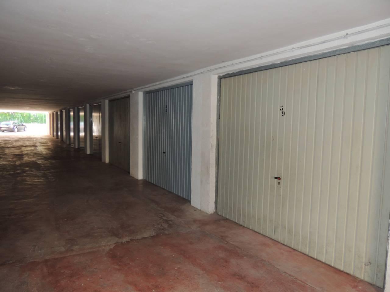 Aparcament cotxe  Peñiscola azahar. Se vende garaje cerrado en playa norte.  tiene una superficie de