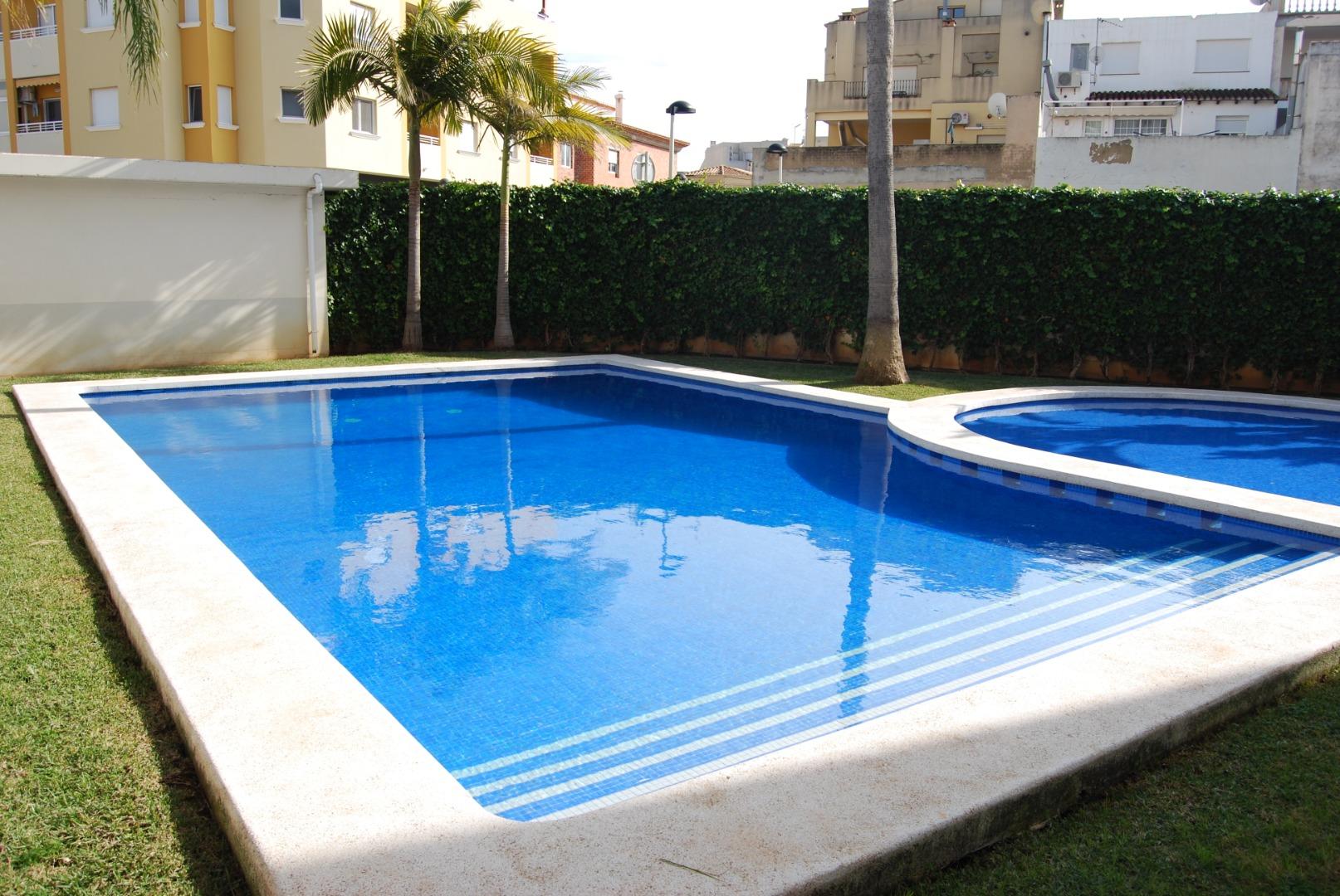 Location Appartement  Calle germanías. Piso duplex -  ondara - sin muebles - urbanización con piscina c