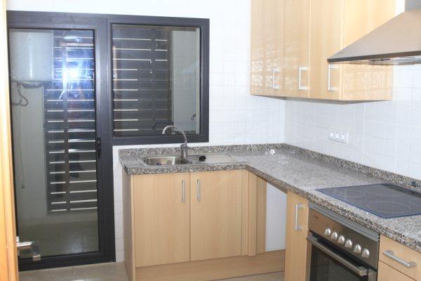 Location Appartement  Calle germanías, 16. Piso  tres habitaciones, ascensor, urbanización , piscina comuni