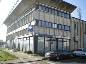Local comercial en Venta en Poligono del Tambre / Campus Norte - San Caetano