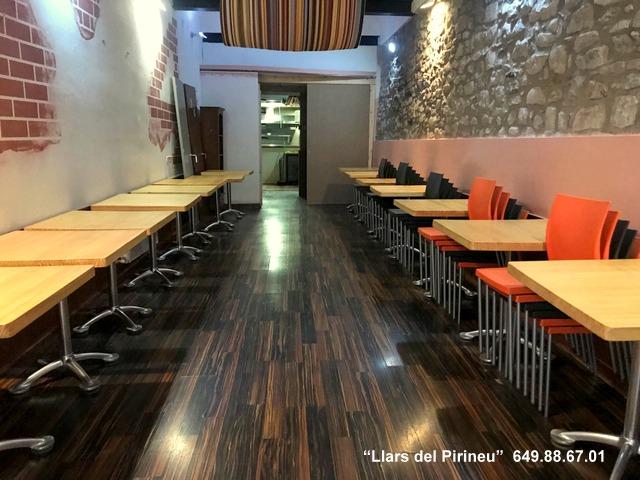 Local Comercial  Calle st. roc. Local restaurant en venda o lloguer al costat del pont de campro
