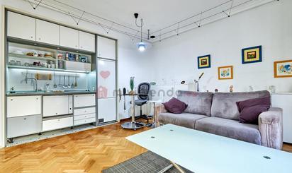 Estudios de alquiler en Metro Gran Vía, Madrid