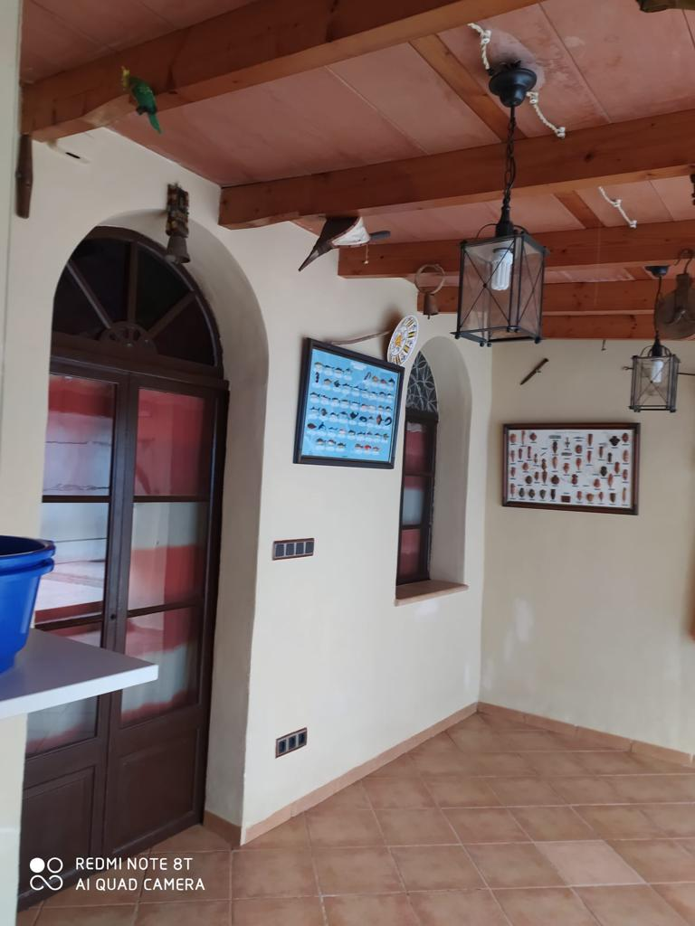 Alquiler Casa  Carrer lluna. Casa adosada de 5 dormitorios, con piscina y terraza a 10 minuto
