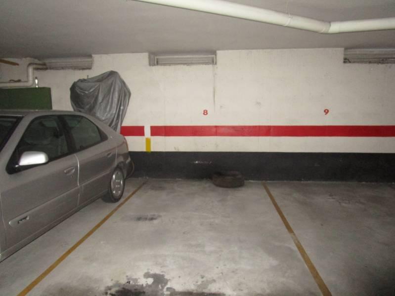 Garaje en venta en Villares de la Reina