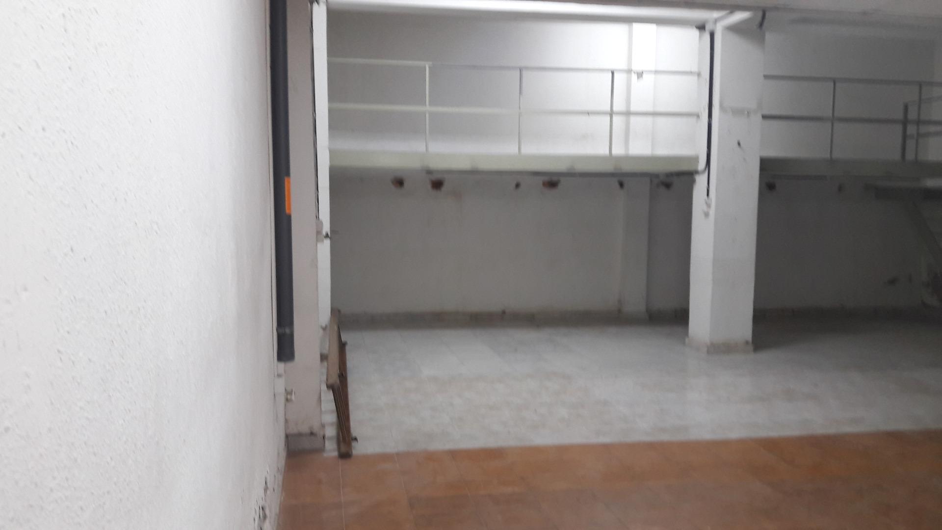 Alquiler Edificio  Zona pl. payeses de 435 m² diáfana. Casa de fábrica ideal para loft o uso industrial de 435 m² en zo